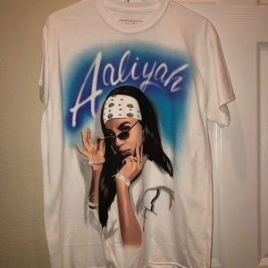 Aaliyah T-shirt for sale